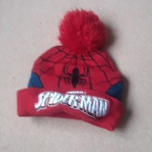 Red SpiderMan beanie for a toddler 👶🏻👦🏻🎩
